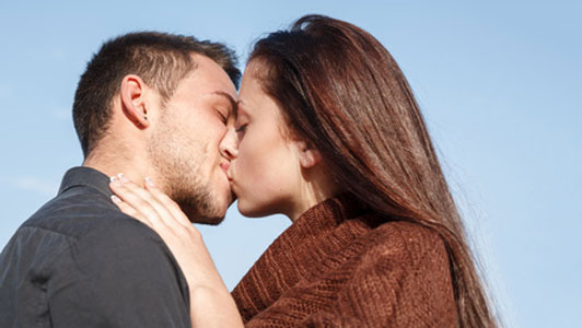 9 Tips To Learn How To Be A Good Kisser Or At Least Better At It Slism
