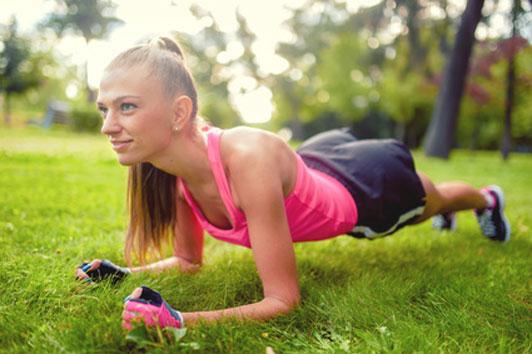 girl doing planks