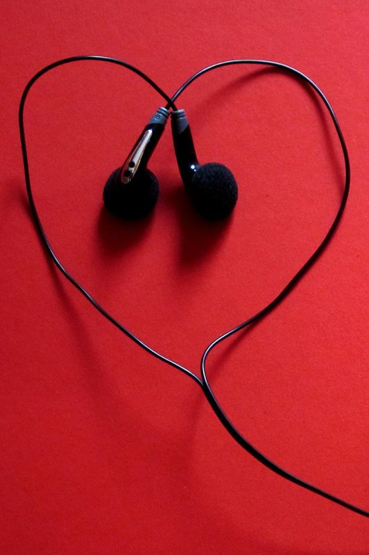 heart-shaped earphones