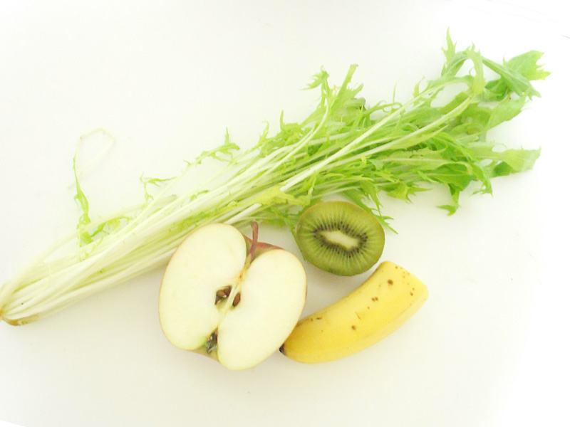 apple bannana kiwi japanese greens fruit smoothie ingredients
