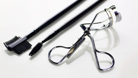 eyelash curling tools