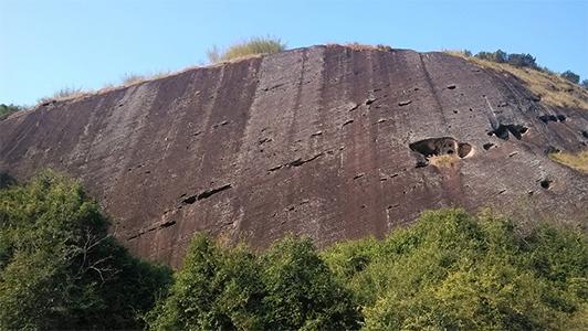 High flat rock
